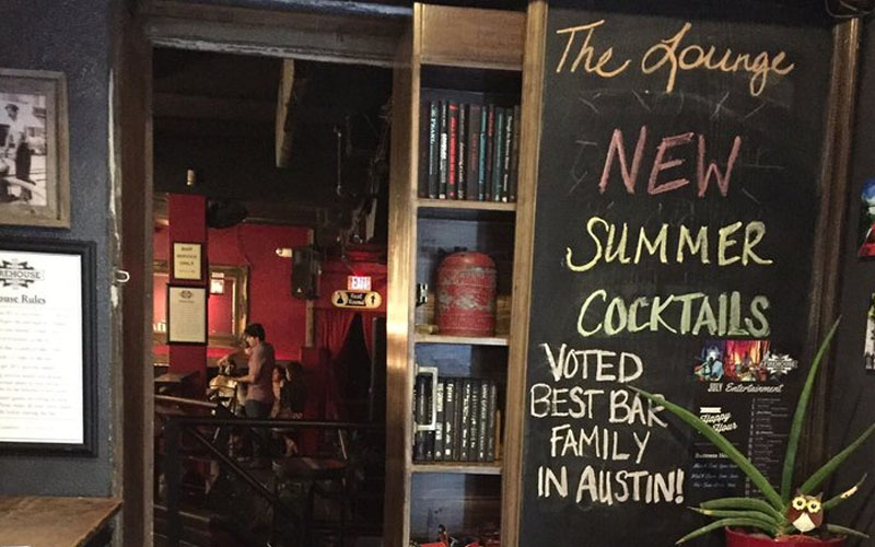 7 Downtown Bars For A Great Cocktail In Austin The Savvy Standard